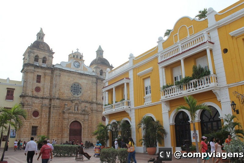 Plaza e igreja de San Pedro