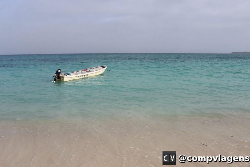 Playa Blanca tem água azul e cristalinaPlaya Blanca tem água azul e cristalina