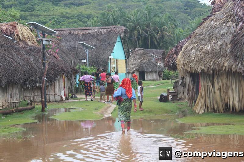 Vilarejo Kuna na Isla Pino