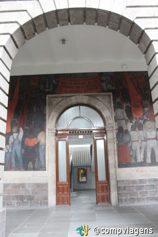 Mural de Diego Rivera, na Secretaria de Educação