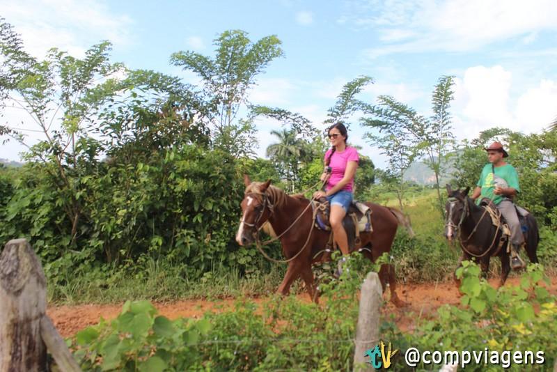 Passeio a cavalo, em Viñales