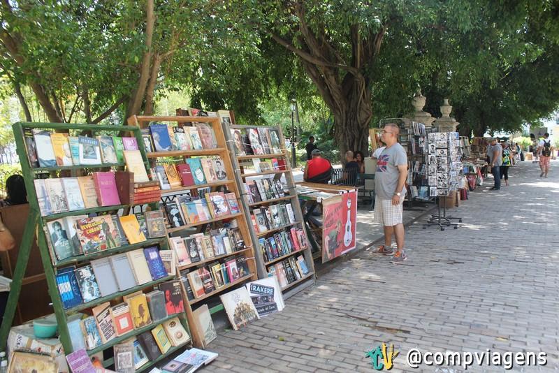 Banca de livros usados nas ruas
