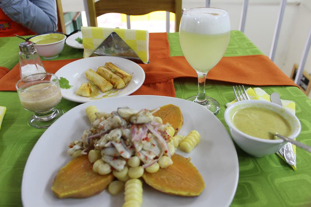 Ceviche e pisco sour que fizemos na nossa aula de culinária no PeruCeviche e pisco sour que fizemos na nossa aula de culinária no Peru