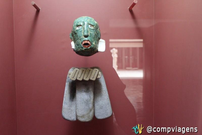 Máscara funerária, no Museu de Palenque