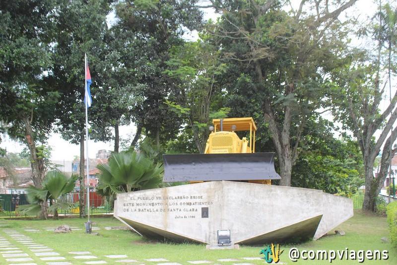 Escavadeira do Monumento a tomada do Trem Blindado