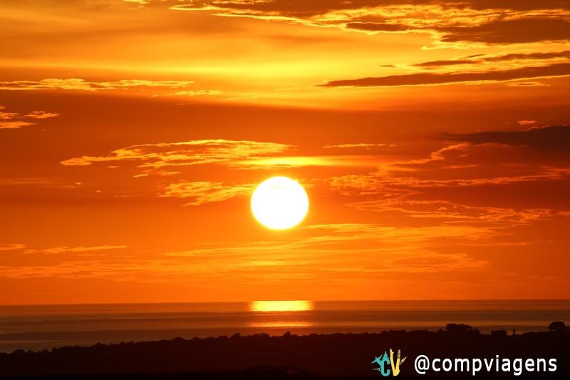 Pôr do sol visto do terraço da casa