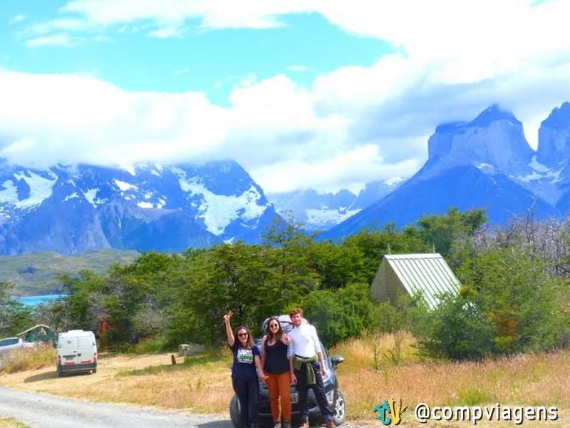 Fernanda,  Ana e Hiann no camping
