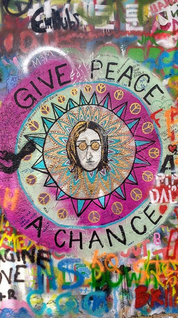 Dê à paz uma chance - Lennon Wall, Pragaa