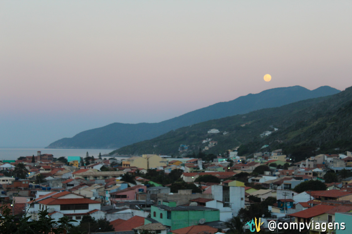 Lua cheia vista do Pontal do Atalaia