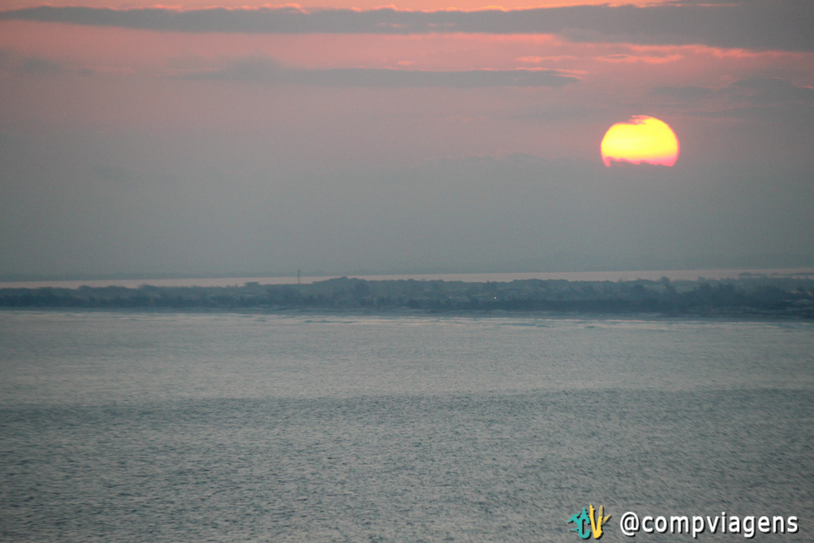 Pôr do sol visto do Pontal do Atalaia
