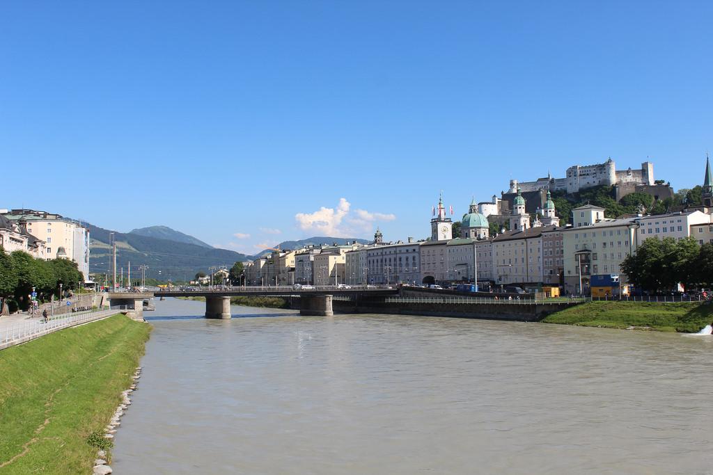 Fortaleza de Salzburg vista da Staatbrücke