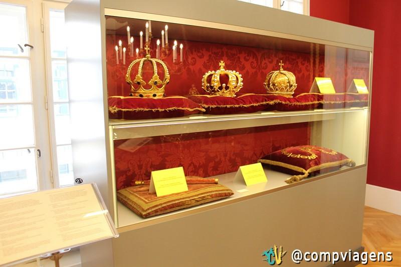 Coleção de móveis e objetos imperiais
