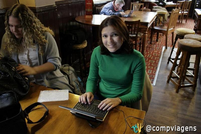 Escrevendo durante a Volta ao Mundo, em um pub de Londres