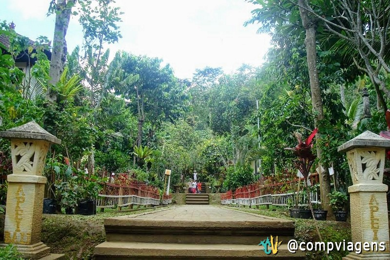 A entrada do Pasraman Gurukula Bangli