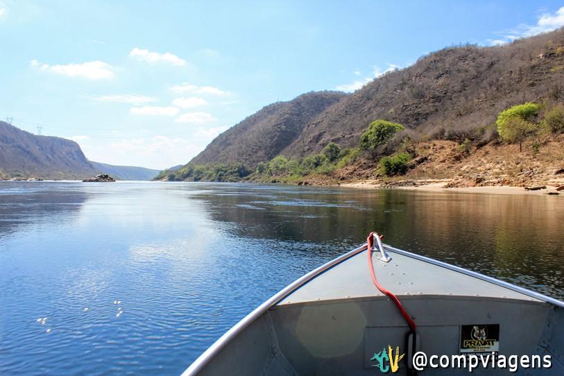 Navegando pelo Rio São Francisco bem na divisa de Alagoas e Sergipe