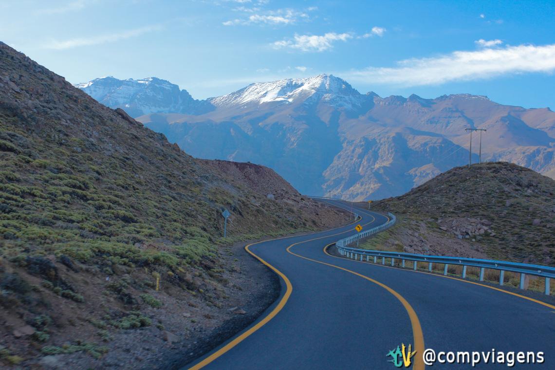 Estrada para Valle Nevado: são mais de 60 curvas em zigue-zague