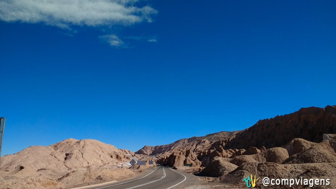 Ruta 23, trecho entre os Valles de la Luna e de la Muerte
