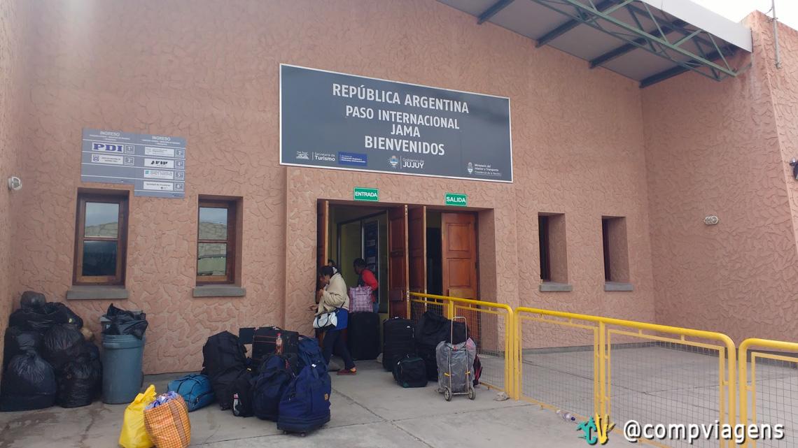 Paso Internacional Jama - emigração do Chile e imigração da Argentina