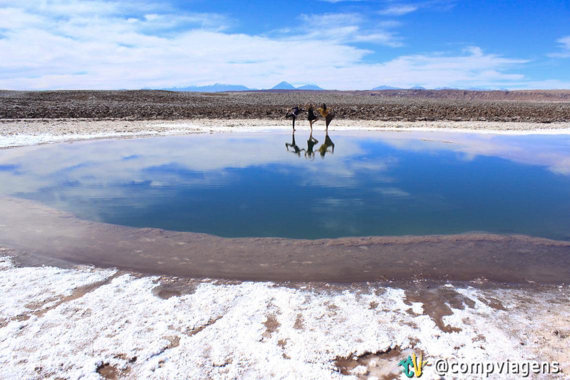 Com Julie e Cris, yogando na primeira Laguna Escondida