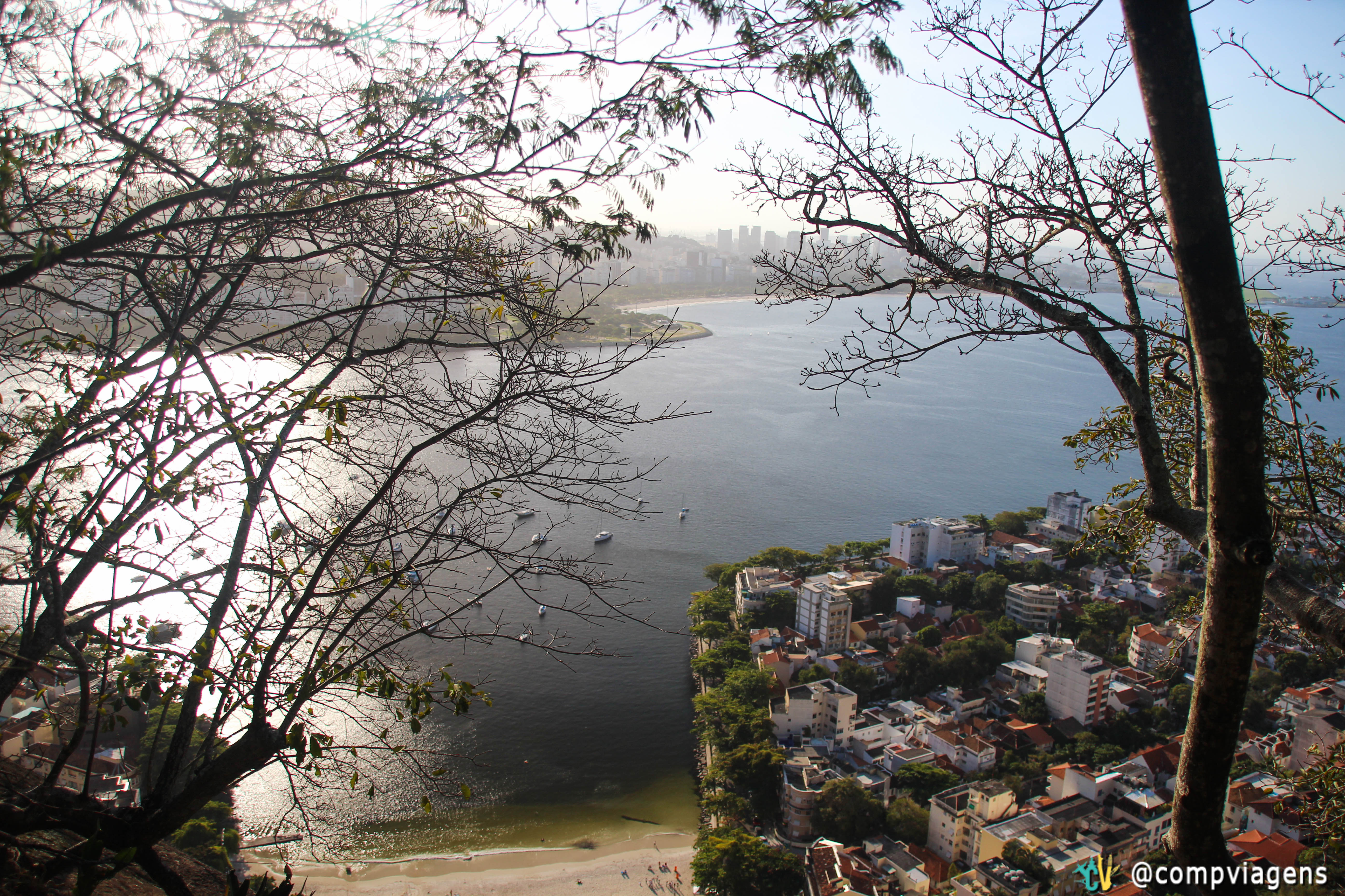 Vista da trilha do Morro da Urca