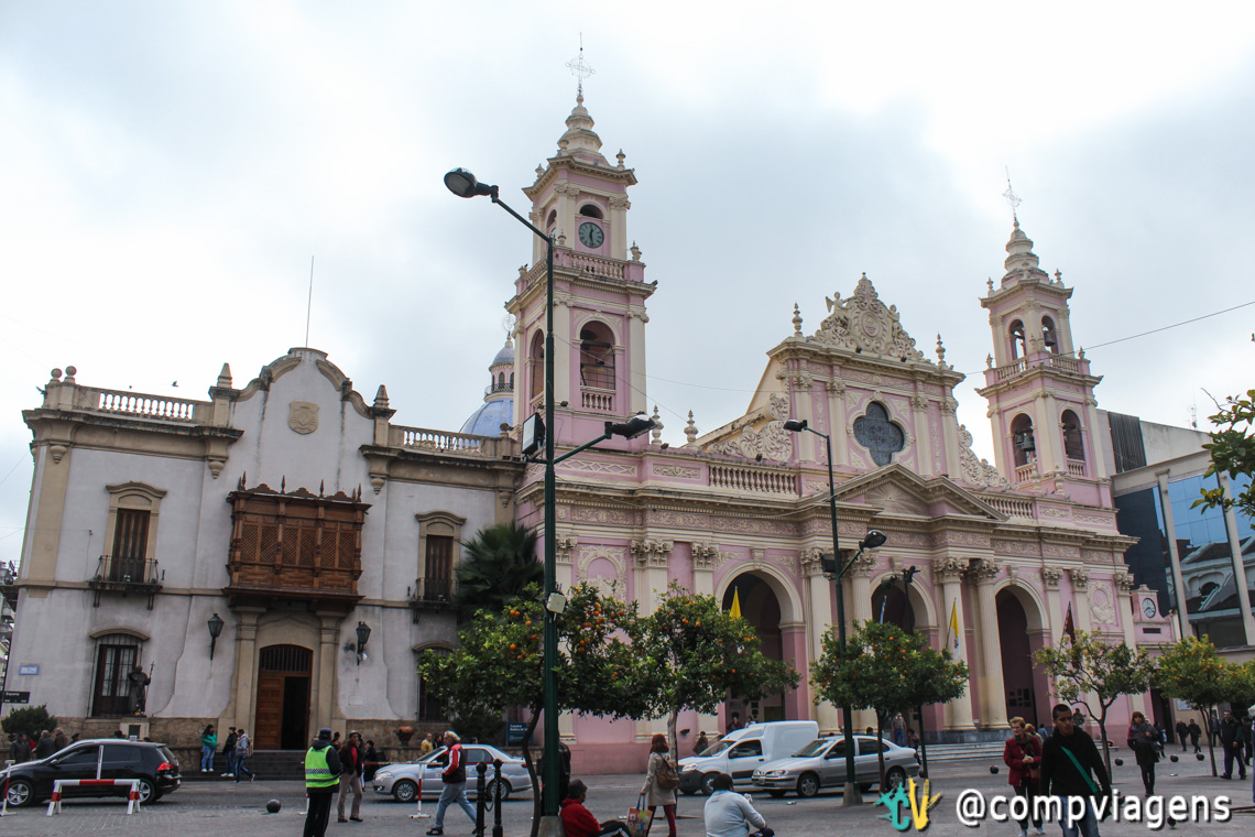 A Catedral de Salta é o ponto de partida do free walking tour