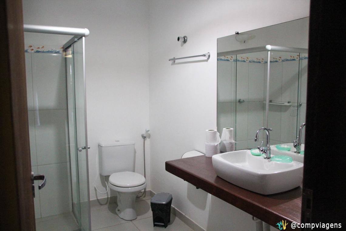 Banheiro do nosso quarto na pousada