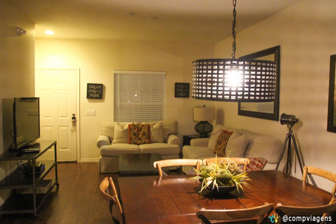Espaço comum: sala de estar, jantar e cozinha