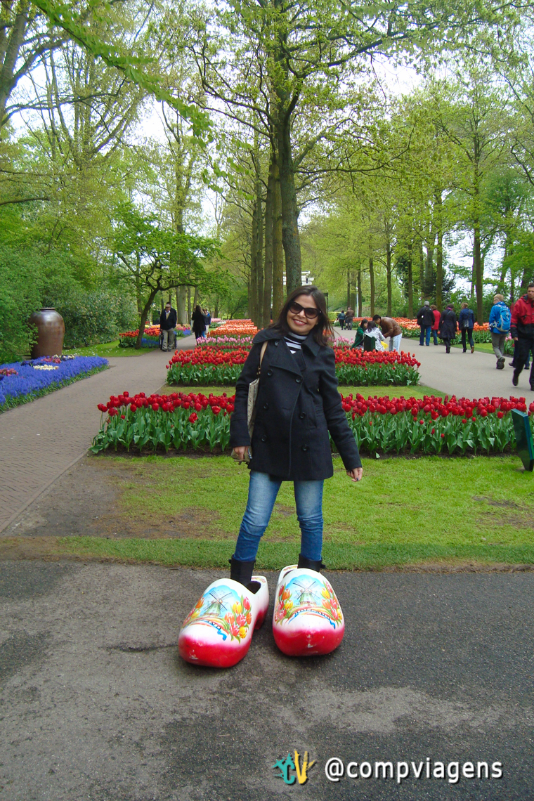 Mara com os tamancos holandeses, outro símbolo dos Países Baixos